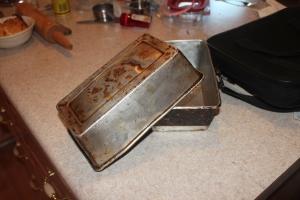 Gma bread pans 001