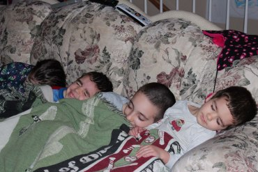 Sleeping One Blanket kids